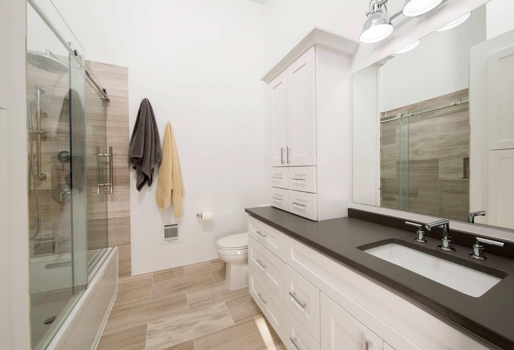 bathroom_10-19-17_799