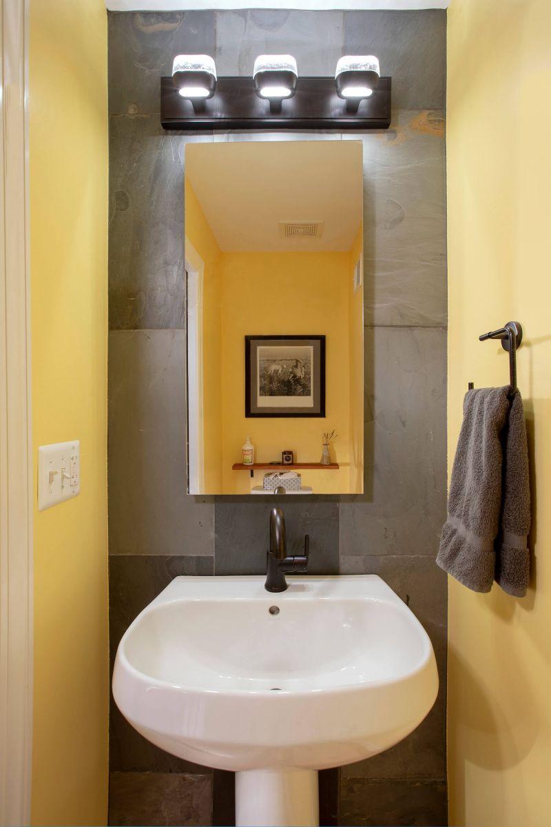 bathroom_5-17-19_287