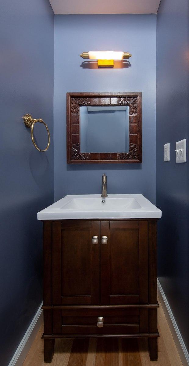 bathroom_8-12-2019_907