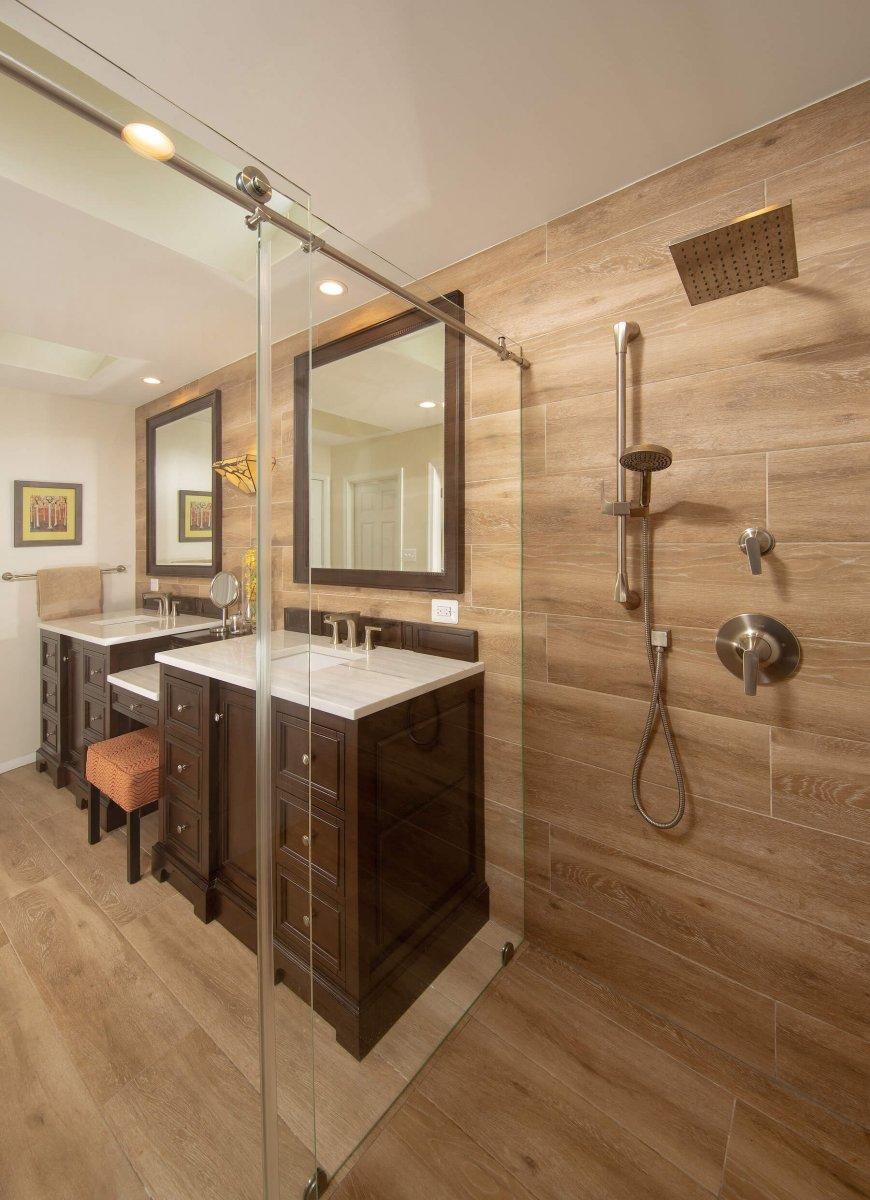 bathroom_R_8-28-19_354
