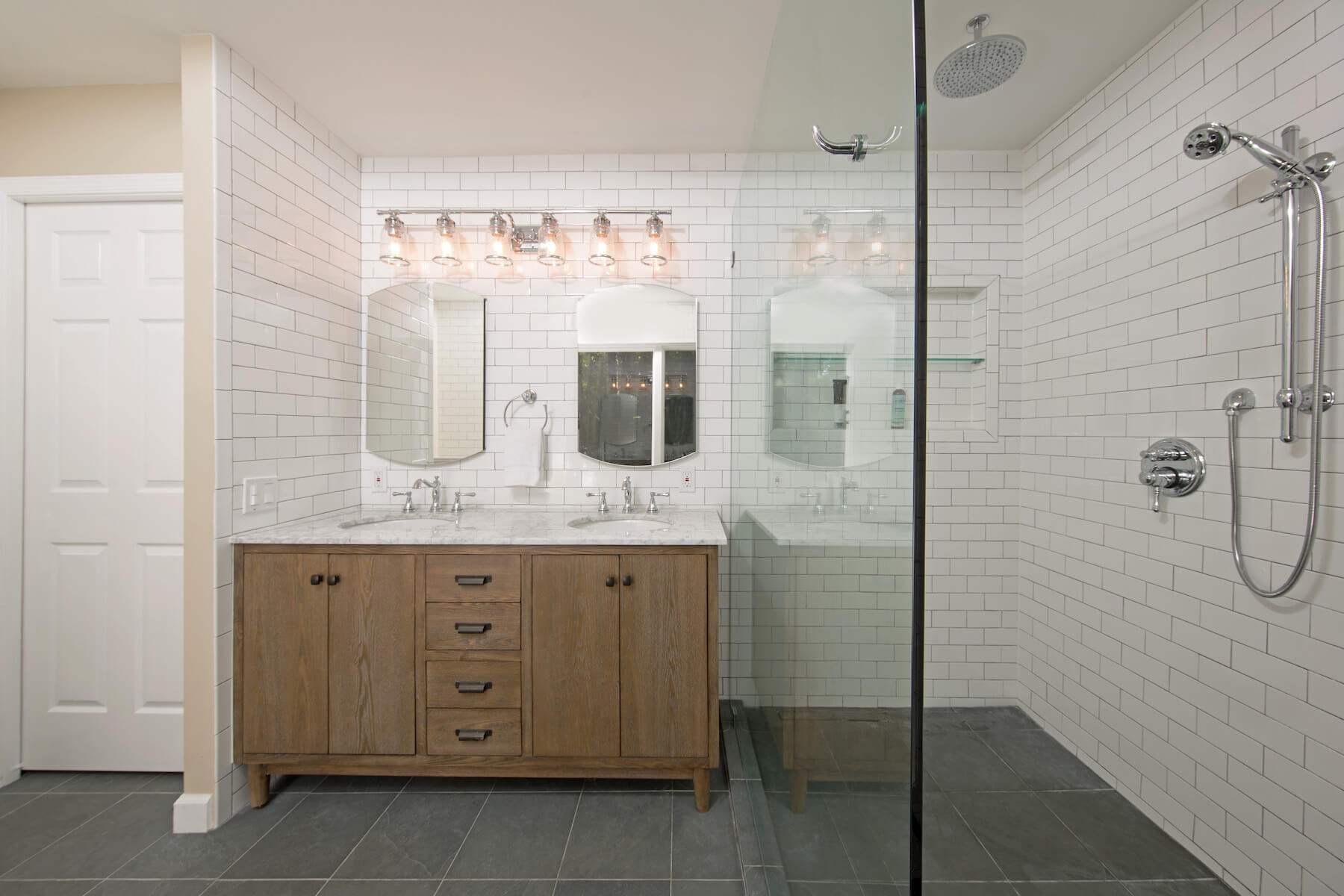 bathroom_R_9-21-17_468-1