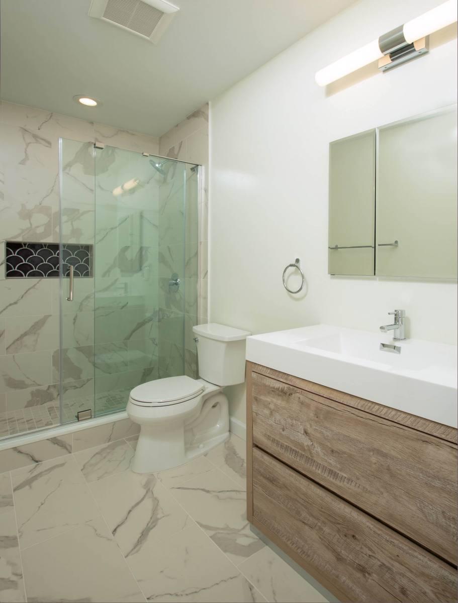 bathroom_8-12-2019_832