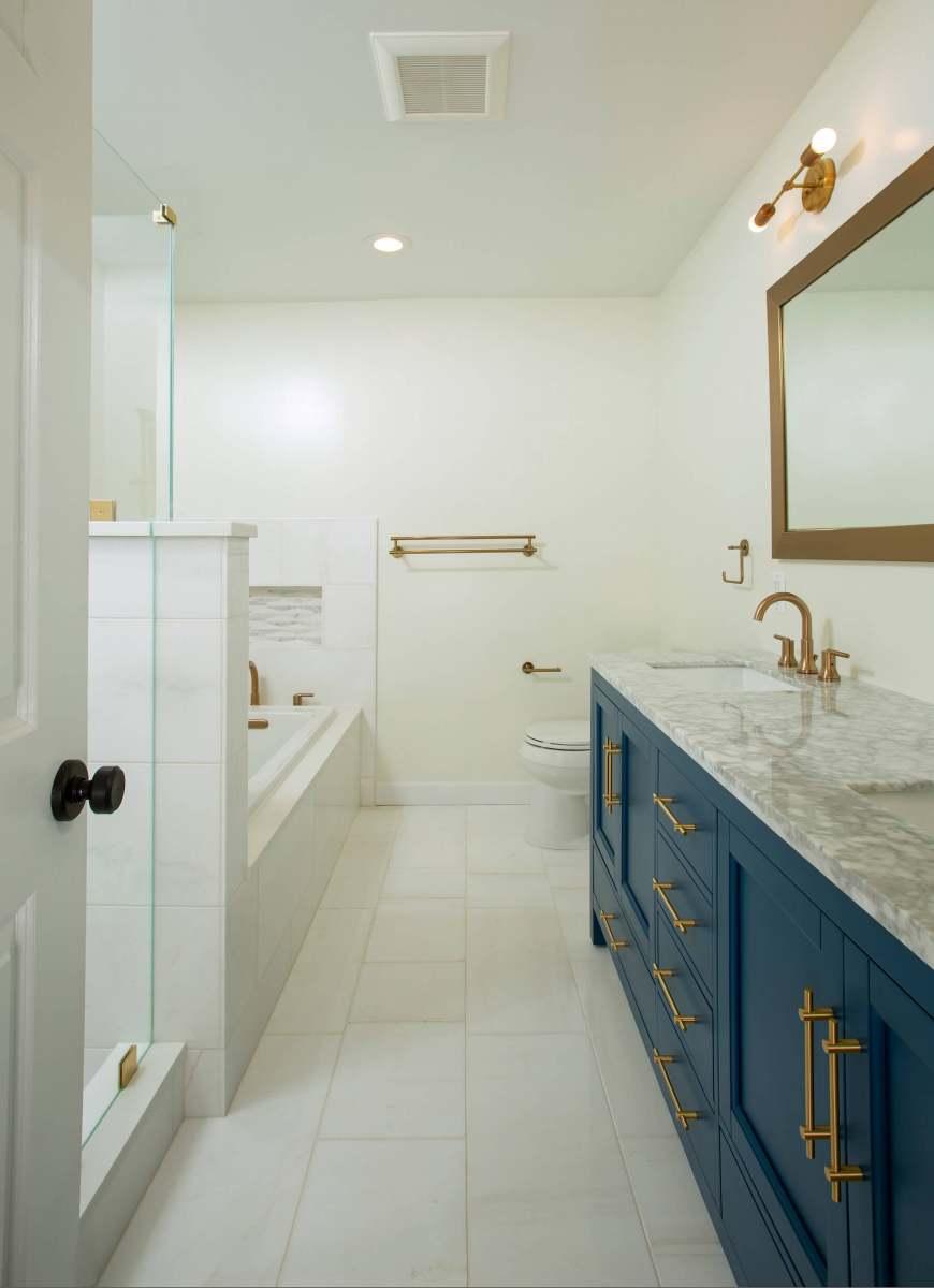 bathroom_in_8-12-2019_809
