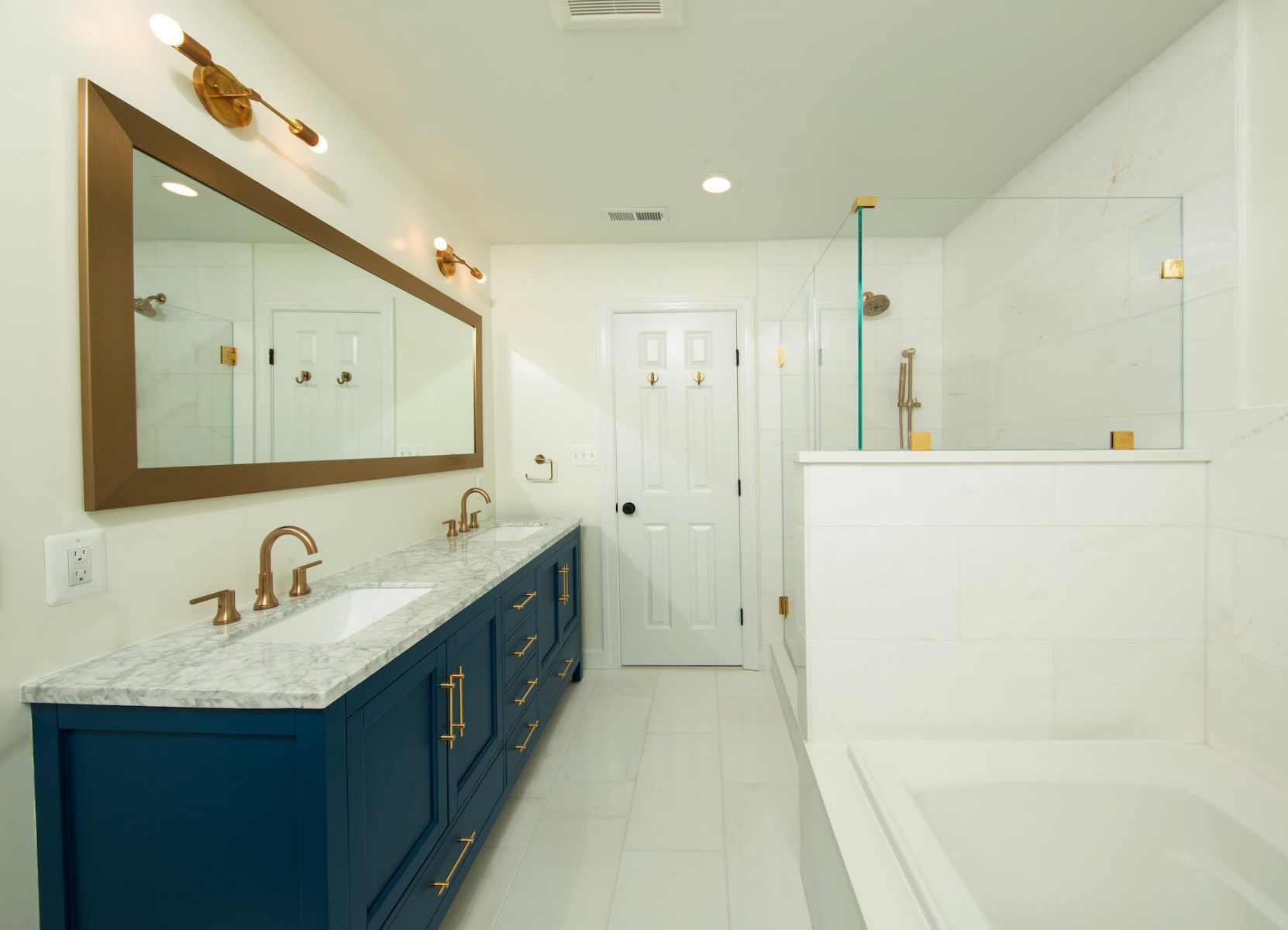 bathrooma_8-12-2019_793